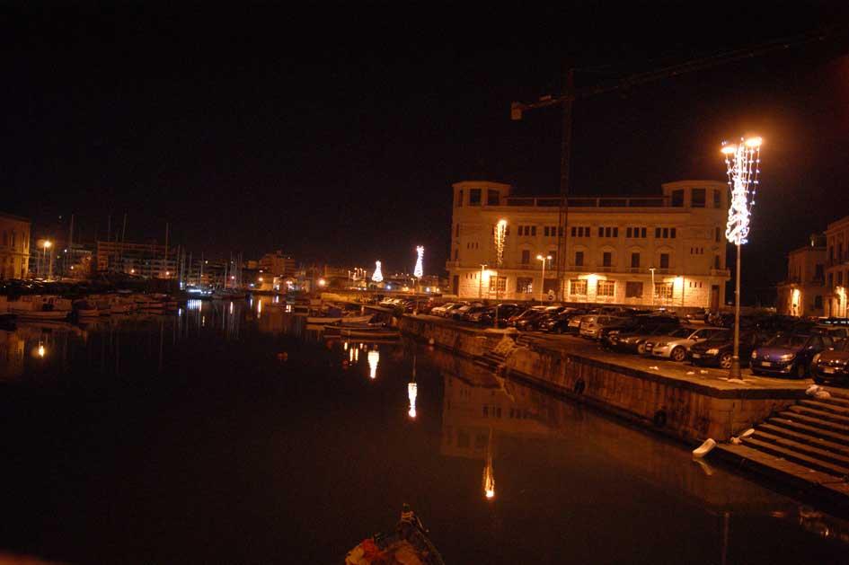 Сиракузы ночью