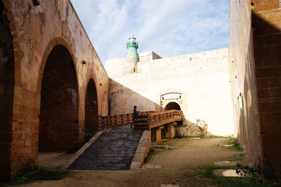 маяк сиракузы