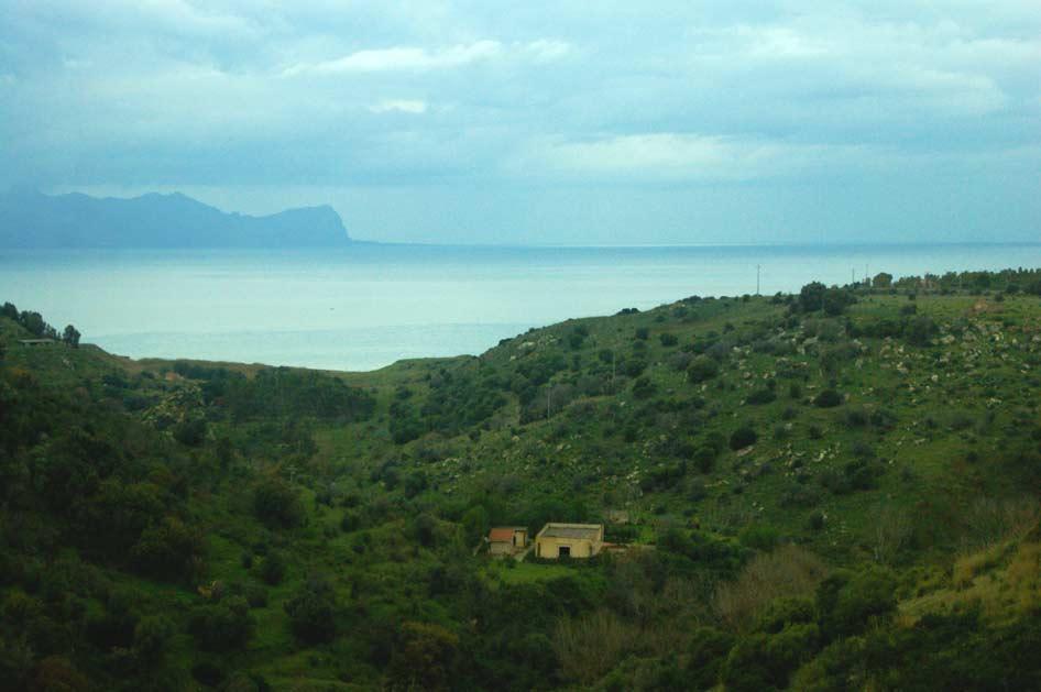 трапани дом в горах у моря