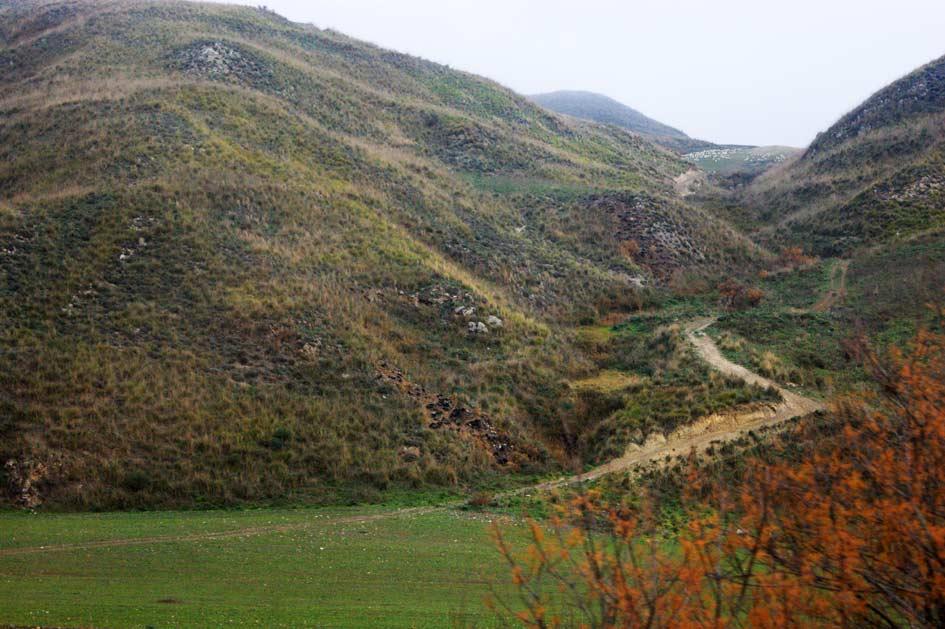 тропа в горах Сицилии
