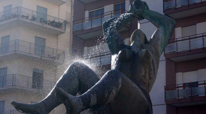 памятник вину в Марсале