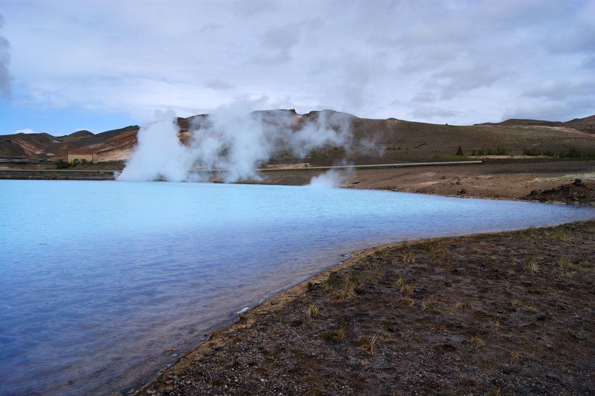 озеро в Исландии