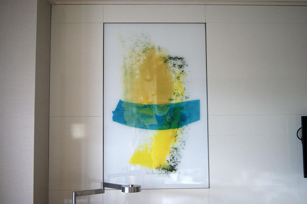 Странная картина в номере Ramada Plaza 4*