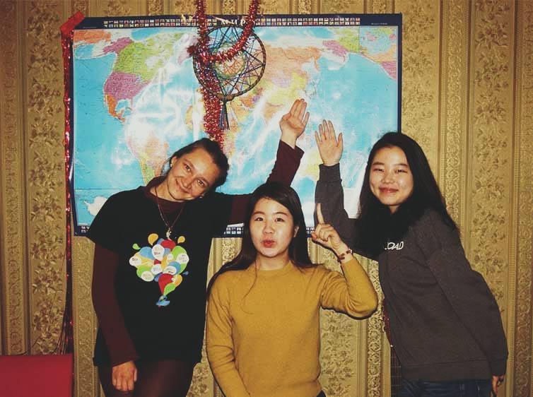 В центре Пак Га и справа Чха Юн