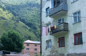 Tyrnyauz: gorod, ljudi i doma